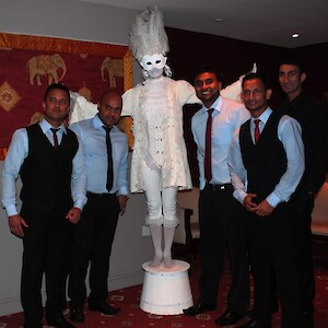 meet and greet human statue hire uk