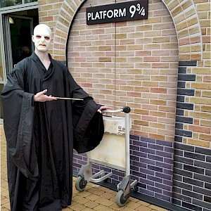 harry potter human statue hire uk