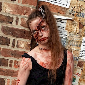 hire zombie scare actor hire uk