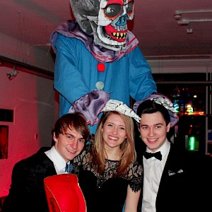 halloween stilt walkers uk
