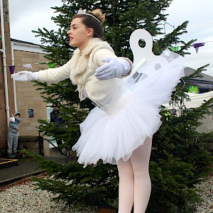 clockwork ballerina human statue hire uk