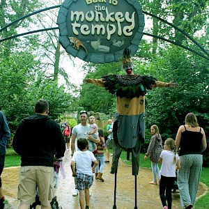 zoo safari park stilt walker hire uk
