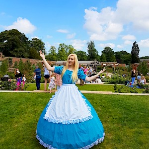 alice in wonderland themed acts hire uk