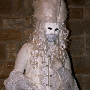 masquerade themed human statue hire