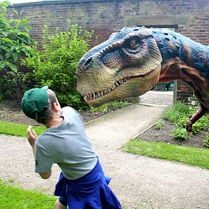 animatronic dinosaur UK
