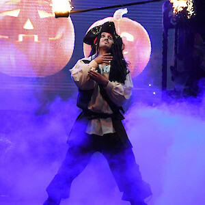 pirate fire show uk