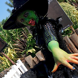 wicked witch performer hire uk