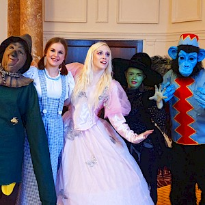 wizard of oz themed entertainment uk