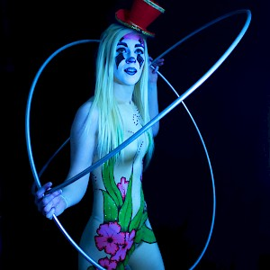 hula hoop performer hire uk