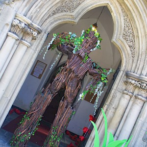ent stilt walker hire