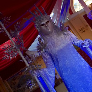 ice queen human statue hire uk