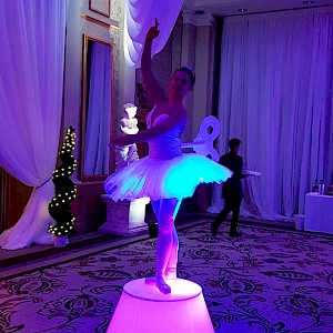 LED clockwork ballerina