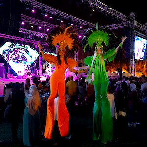 carnival stilt walker hire uk