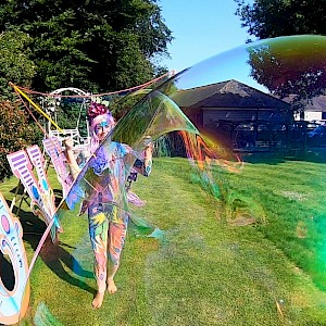 giant bubble show hire uk